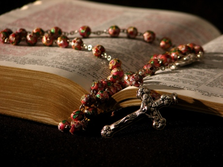 Roger-Smith-cc-rosary-bible