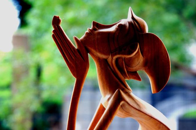 flickr-sculpture-worship-kiss