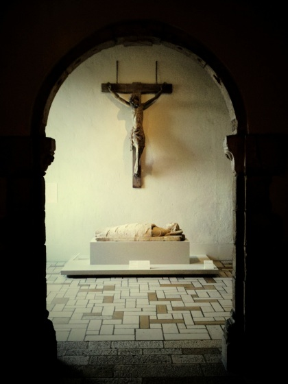 art-museum-crucifix-death-pma