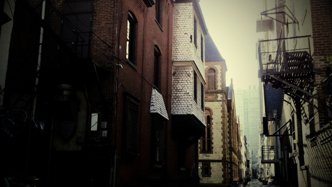 rittenhouse-alley-church-hor
