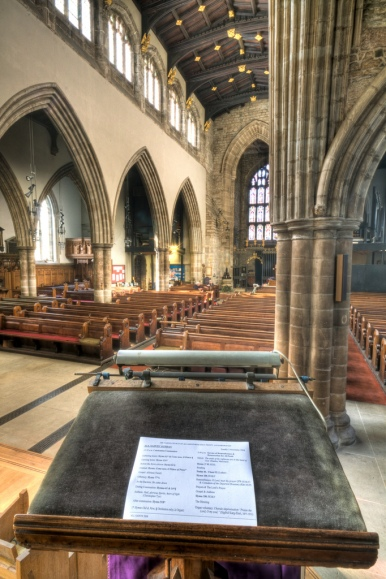 pulpit-church-hdr-bible